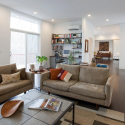 livingroom_with_ductless_ac_torontoductlessca_tall